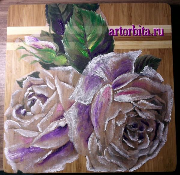 Рисунок.  Роспись красками.  Декупаж на деревянной доске - белые розы.