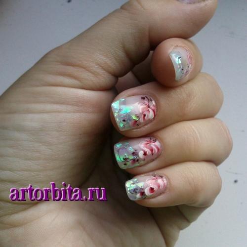 Рисунок 4. Роспись ногтей